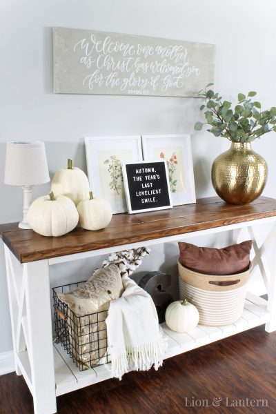 Simple Fall Entryway Decor