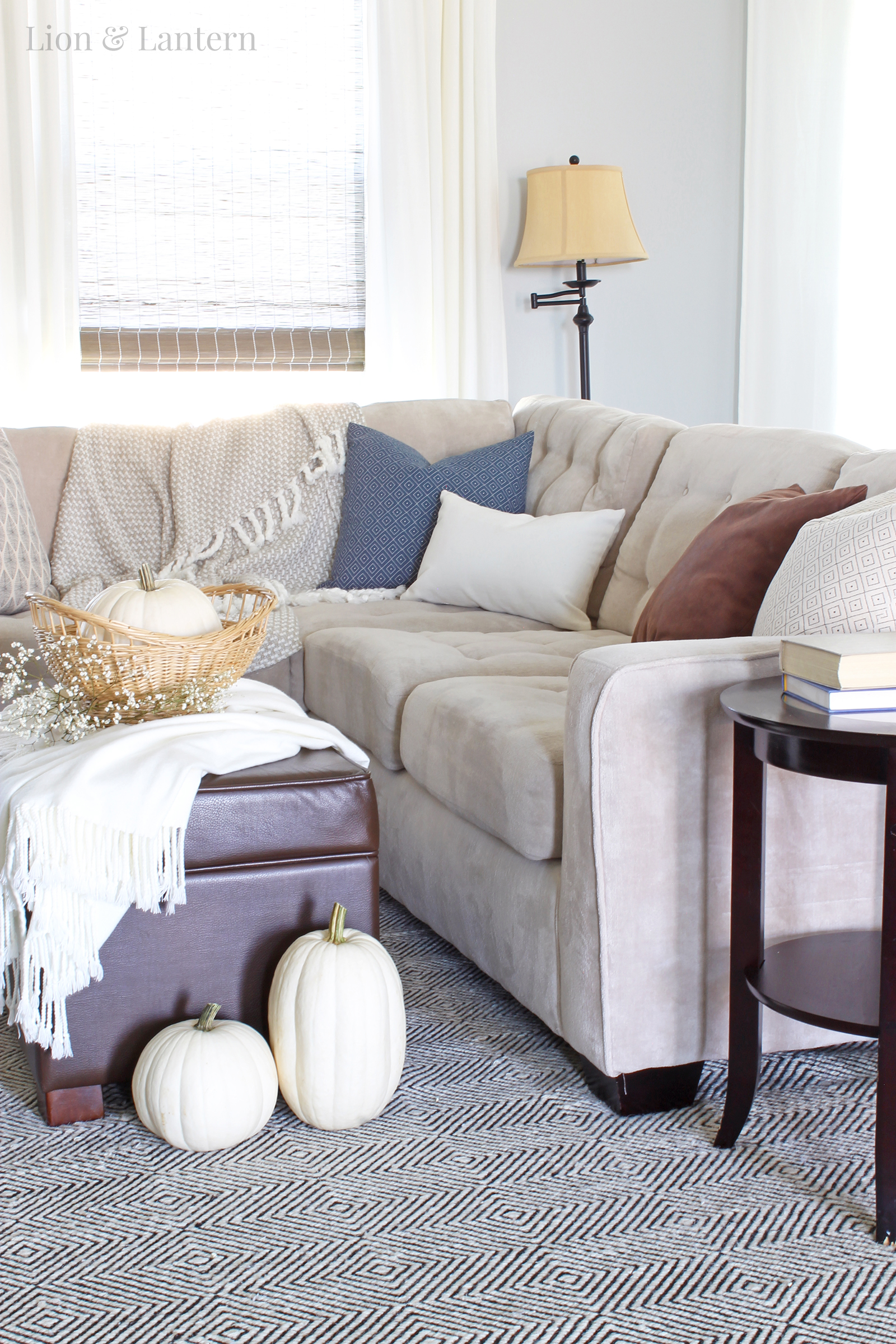 Autumn Living Room Decorating: Neutral Fall Living Room